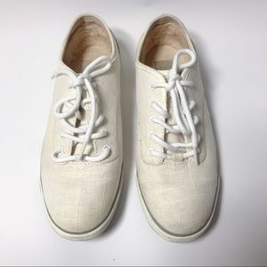 {UGG} White Hally Canvas Sneakers Size 9